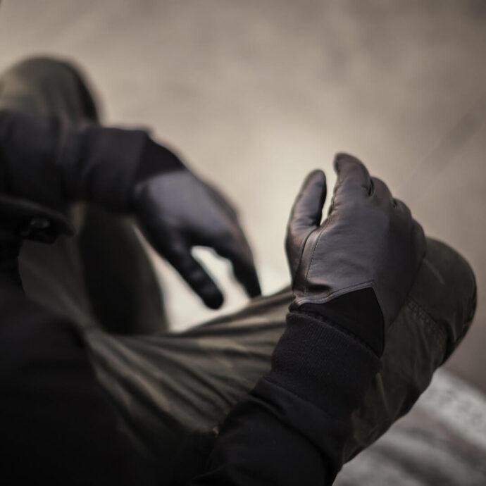 Black gloves for men