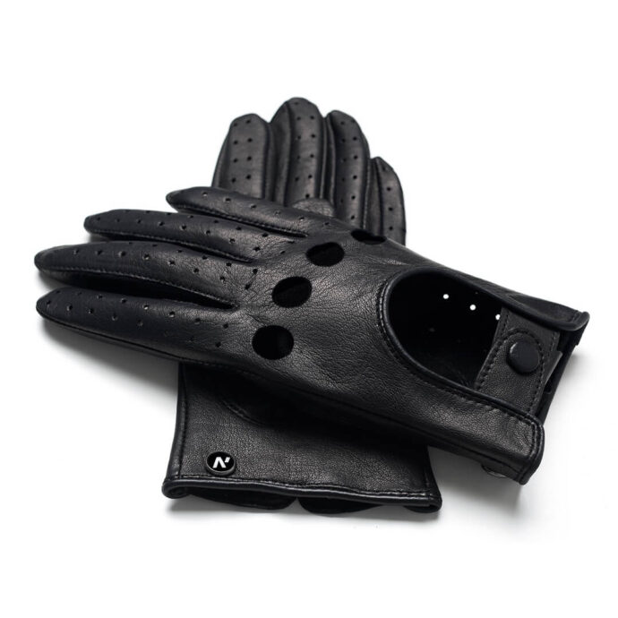 Fashionable gloves for drivers