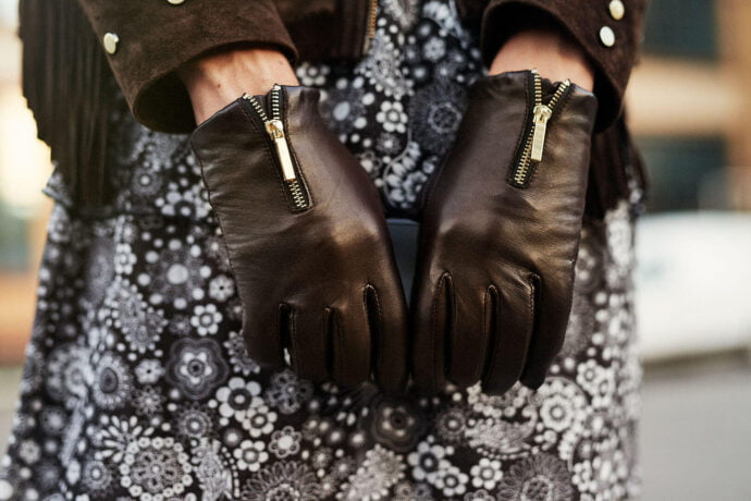 Gloves with zippers