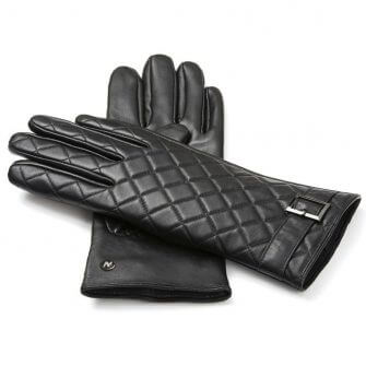 Black leather quilted gloves for her