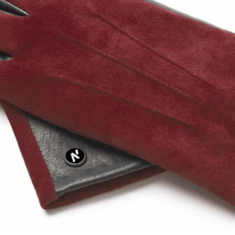Wine colored gloves details