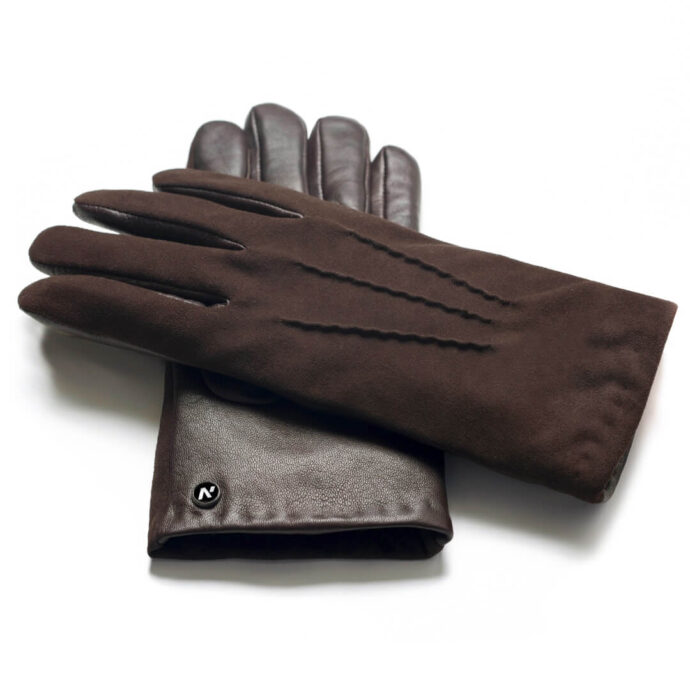 Leather gloves in brown color