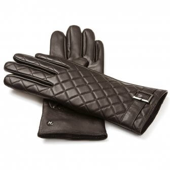 Stylish brown gloves for her