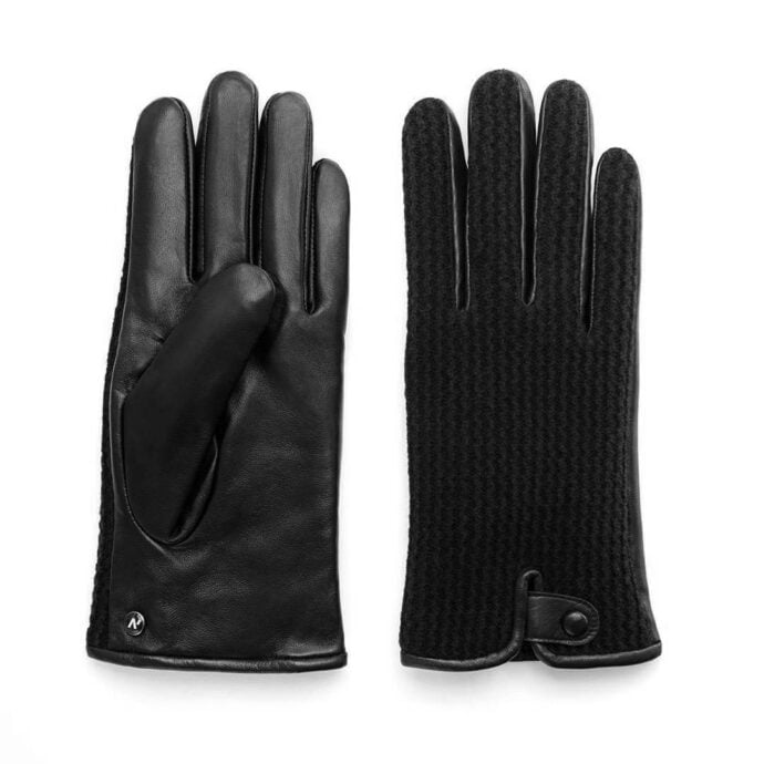Warm gloves for the winter