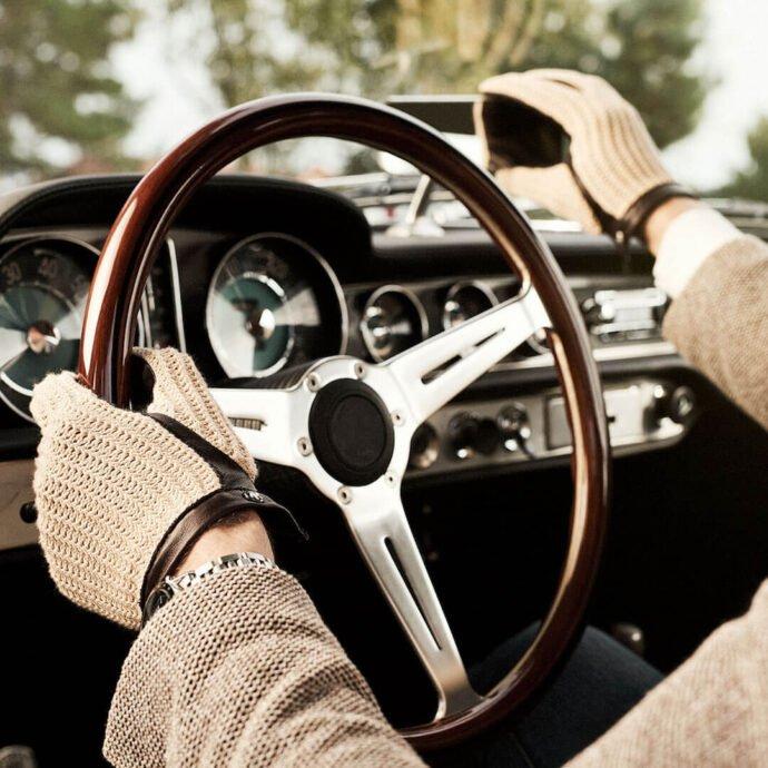 Retro driving gloves