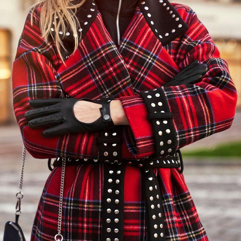Stylish black women's gloves