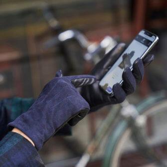 Dark blue gloves for her