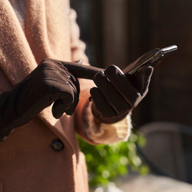 Elegant brown gloves for her
