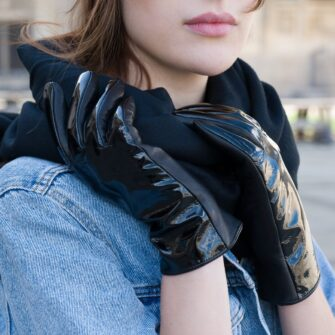 Shiny napo gloves