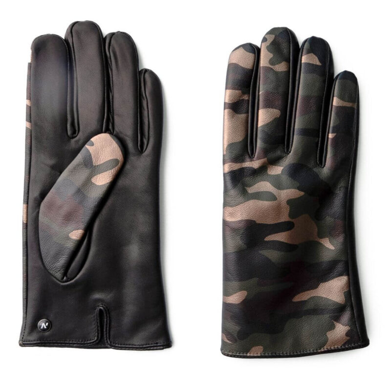 Camo touchscreen gloves for him